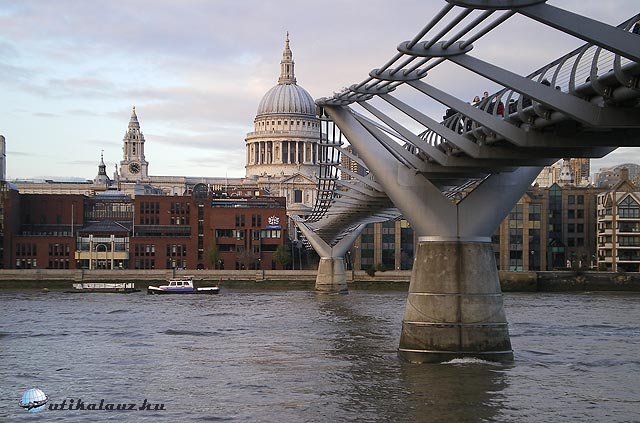 London Milleneum Bridge
