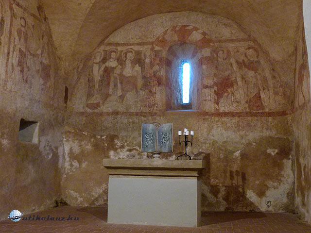 Planá Szent Péter Pál templom szentélye