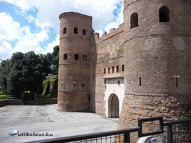 Porta San Giovanni in Laterano.