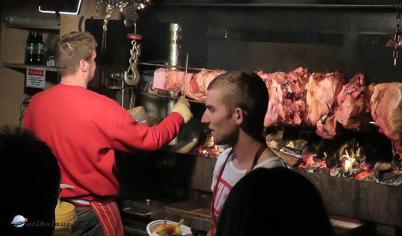 Gyros szlovák módra - folyamatosan hosszú sor állt a ház előtt