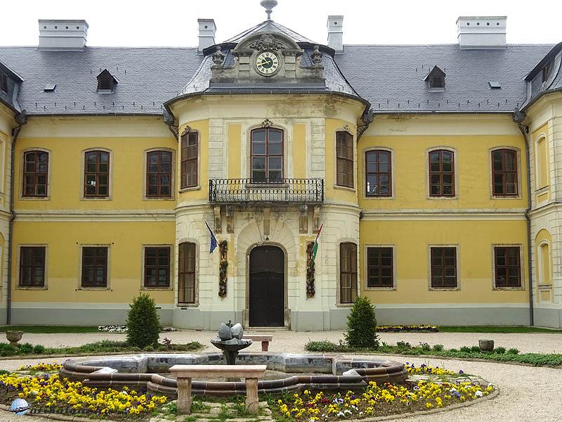 A Lamberg kastély bejárata
